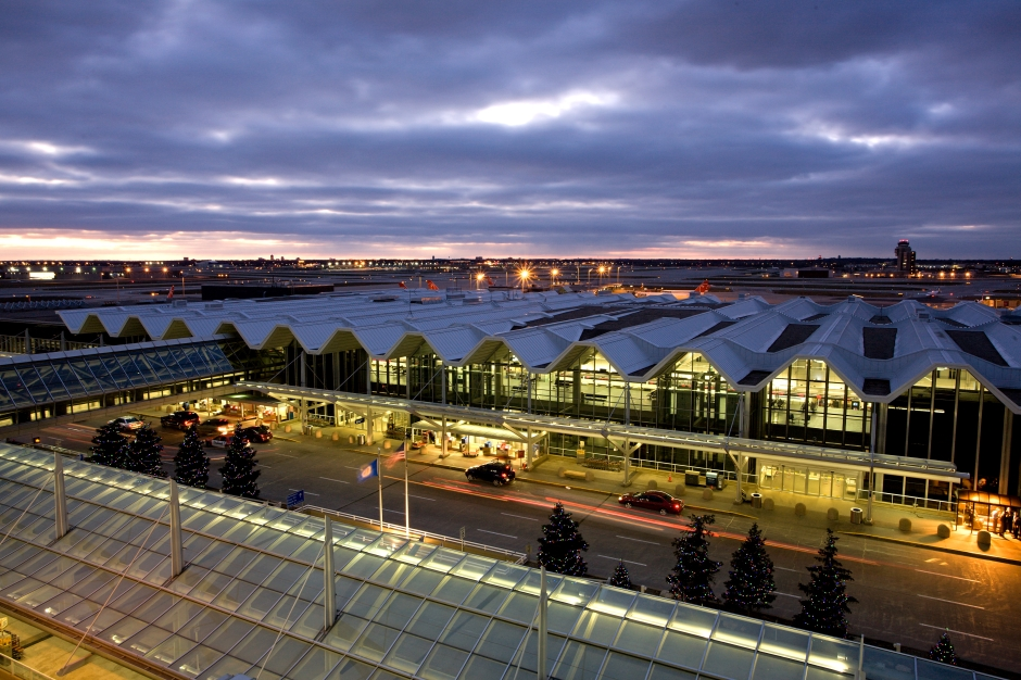 Terminal 1-Lindbergh at night